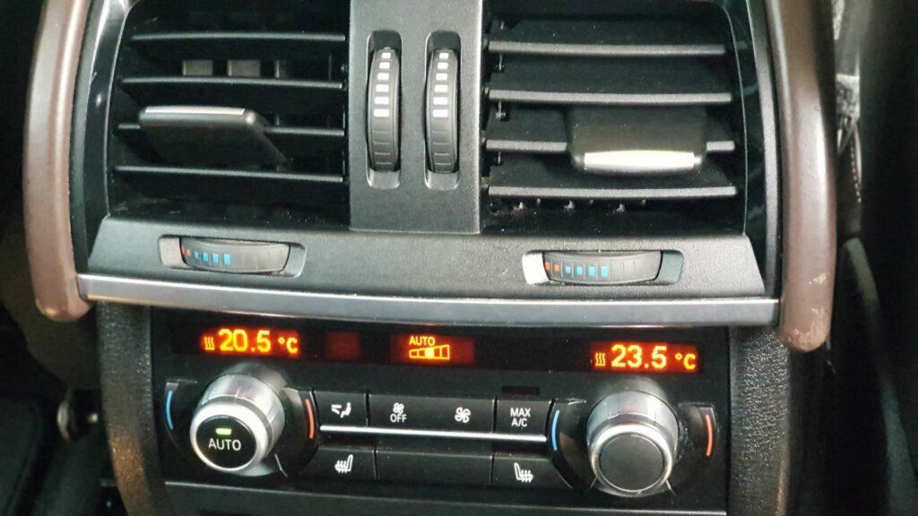 Фото задней панели управления кондиционером BMW X5 F15